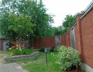 <b>courtyard 2</b>